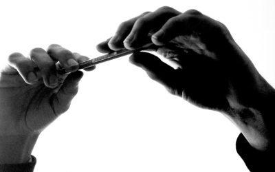 Le mani e gli oggetti